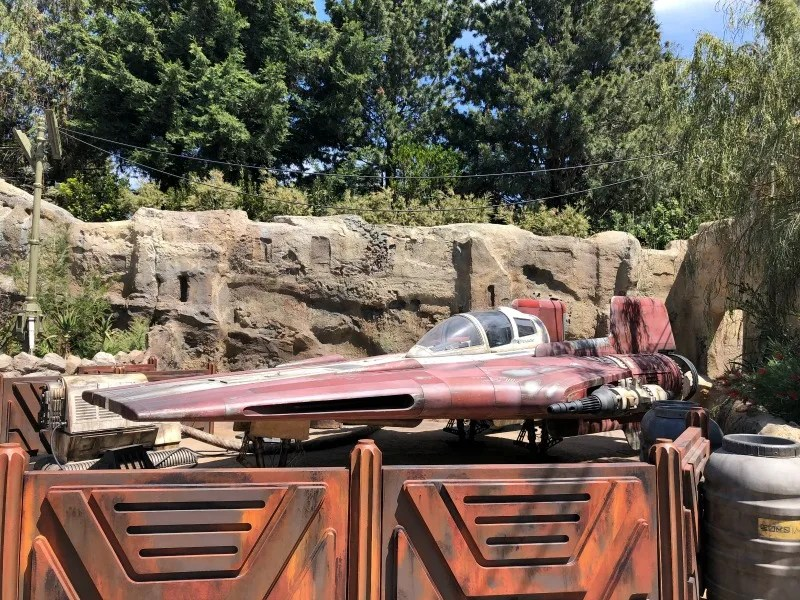 Star Wars Galaxys Edge Disneyland - Resistance Fighter