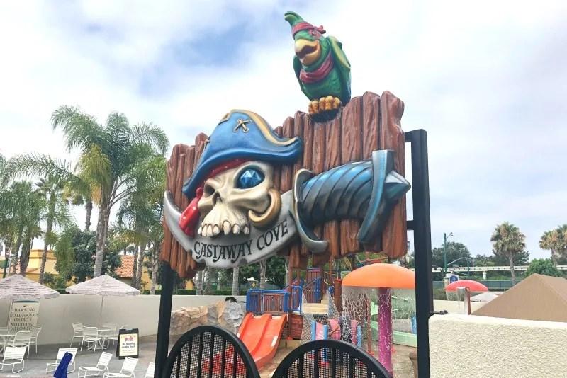 HoJo Anaheim Castaway Cove Entrance