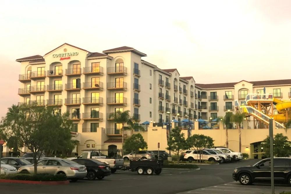 Walking Distance Disneyland Hotels - Courtyard Marriott Theme Park Entrance