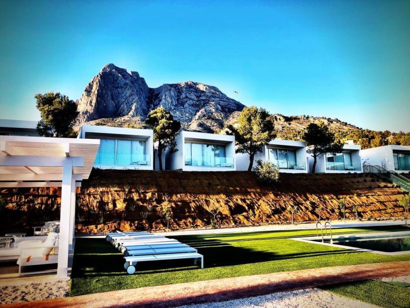 nature-suites-puig-campana-accommodation