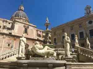 Piazza Pretoria en Palermo Italia