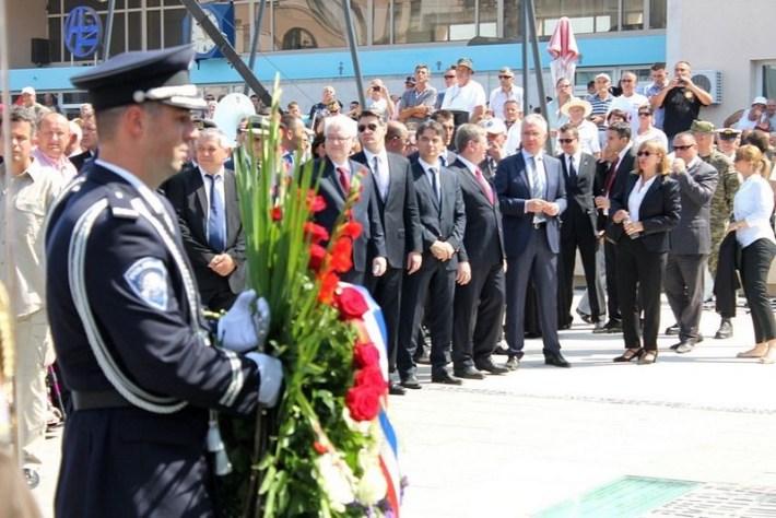 Središnja proslava Dana pobjede pred spomenikom Oluja '95. u Kninu