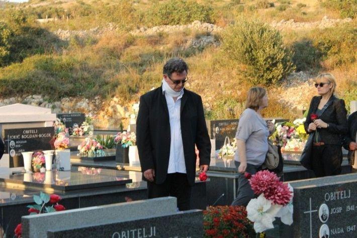 Stojan Matavulj bacio je ružu među posljednjima