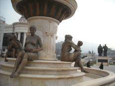 Ovo su pak spomenici posvećeni Aleksandru makedonskom i njegovoj majci (foto TRIS/G. Šimac)