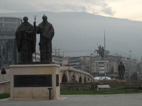 Skopje, kameni most i - spomenici