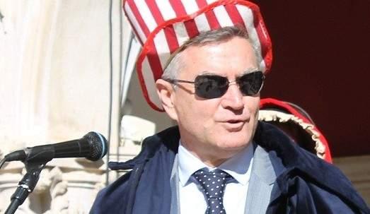 Bivši gradonačelnik Željko Burić tijekom maškara 2014. godine (foto TRIS)