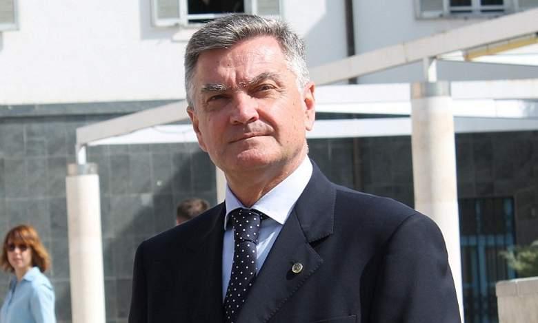 Gradonačelnik Šibenika Željko Burić: Dogodine, miran san za biskupa…