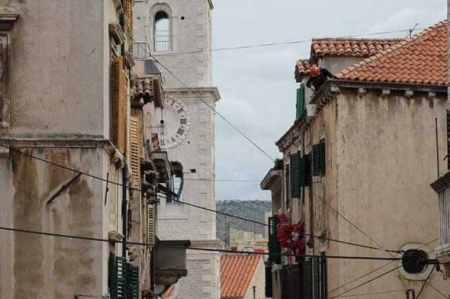 HGSS uređuje pročelja u gradskoj jeszgri Šibenika (Foto H. Pavić) (10)