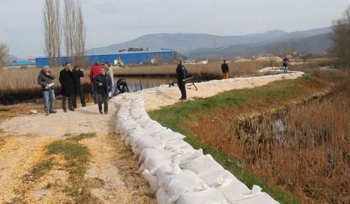 Knin - zagađenje Orašnice i Krke (Foto H. Pavić) (4)
