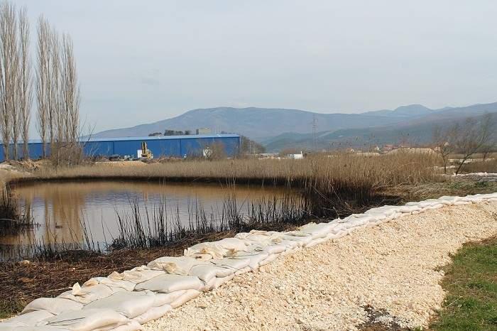 Knin - zagađenje Orašnice i Krke (Foto H. Pavić) (6)
