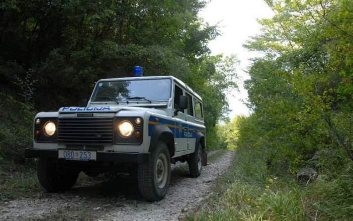 Ilustracija - policijsko terensko vozilu  (foto: MUP)