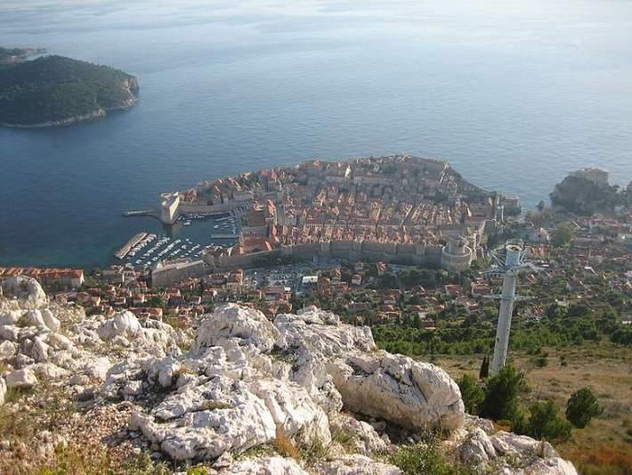 800px-Dubrovnik_sa_Križa