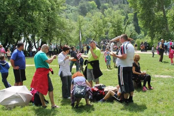 Proslava 1. svibnja na slapovima Krke 272
