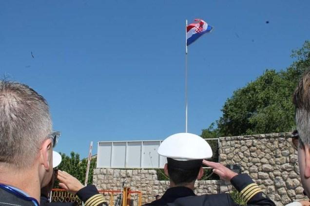 Svečano podizanje zastave u Remontu 4. svibnja 2014. (Foto H. Pavić)