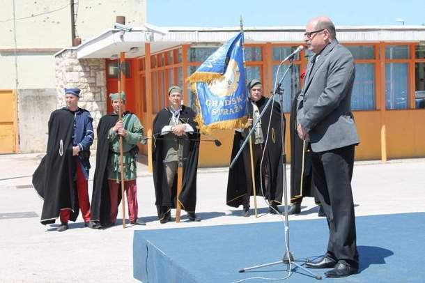 Svečano podizanje zatave u Remontu (Foto H. Pavić) (7)