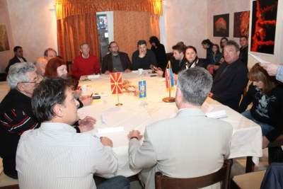 Verbalno 'nadmetanje' hrvatskih i makedonskih književnika na Zlarinu