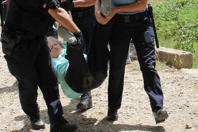 Najmlađa osoba koja je privedena imala je 14 godina, a najstarija 42. Katica Krištović, stara 92 godine, uspjela je pobjeći (Foto H. Pavić)