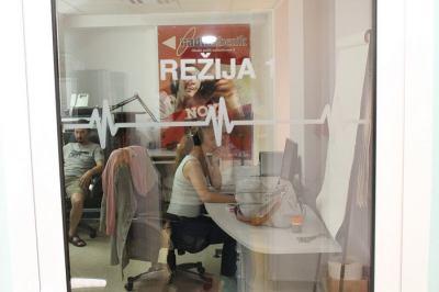 Kandidatima za direktora ponudili da rade bez plaće, pa će Županijski radio Šibenik ubuduće voditi direktor Tržnica Šibenik