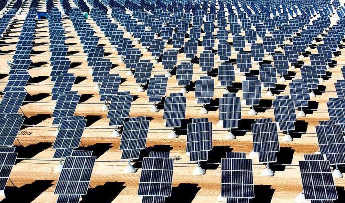 More 'solarnih ploča' (foto Wikipedia)