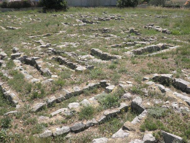 Starohrvatsko groblje- snimila : J. Klisović