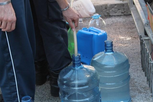 Voda je izvor života. Nekome je izvor zarade, a nekome zaraze (Foto H. Pavić) (6)