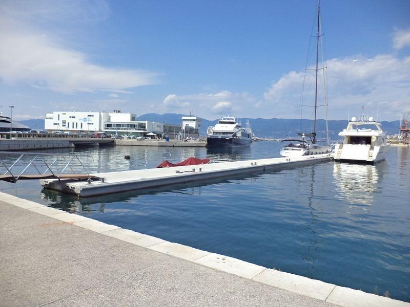 Marinetekovi pontoni u Rijeci