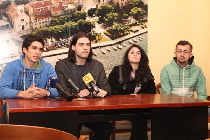 Živi zid - konferencija za novinare u Šibeniku (Foto H. Pavić) (4)