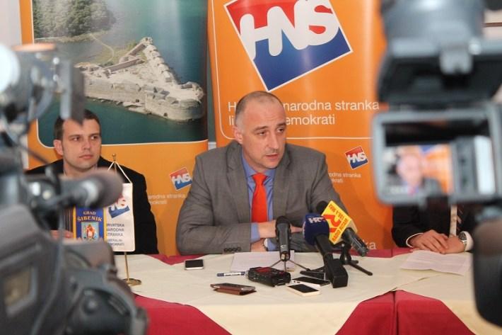 Ivan Vrdoljak na konferenciji za novinare HNS-a u Šibeniku (Foto H. Pavić) (4)