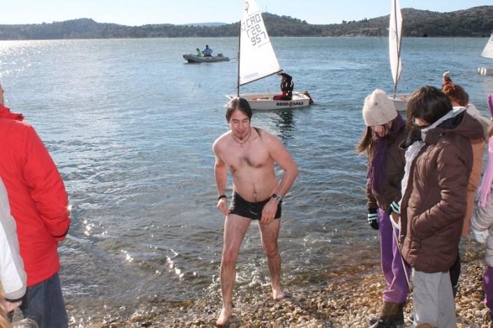 Novogodišnje kupanje na Banju (Foto H. Pavić) (9)