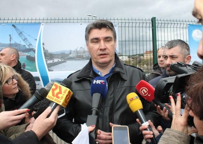 Premijer Zoran Milanović u Šibeniku (Foto H. Pavić) (4)