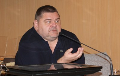 Razgovor s povodom/Vjeran Piršić, predsjednik savjeta udruge Eko Kvarner: Crnogorci grade fotonaponsku elektranu od 200 megavata, a mi promašeni projekt LNG-a na Krku