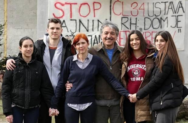 Obitelj Cvjetković (foto Facebook)