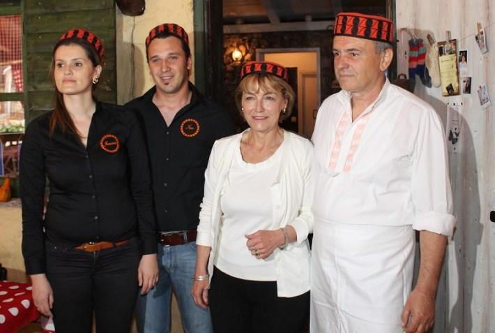 Vesna Pusić i Darko Lorencin u Kalpiću (FOTO H. Pavić) (6)