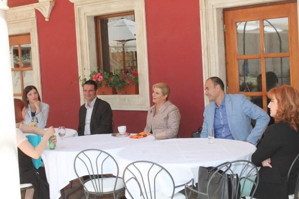 Predsjednica na 'kavi s građanima' (Foto: Tris/H. Pavić)