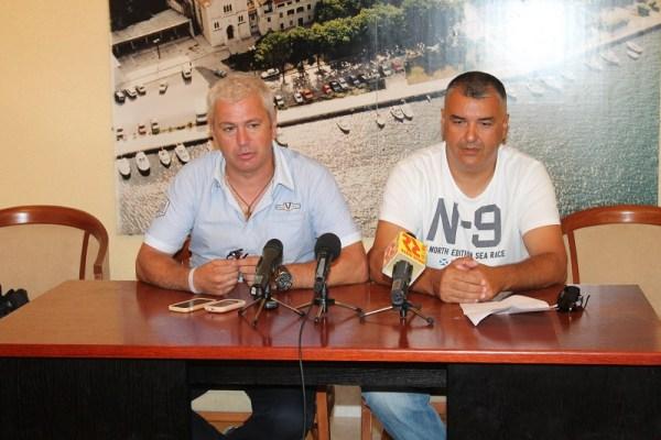 Načelnik Općine Bilice Josip Ćaleta Car i predsjednik Općinskog vijeća Neven Mikulandra (Foto: H. Pavić)