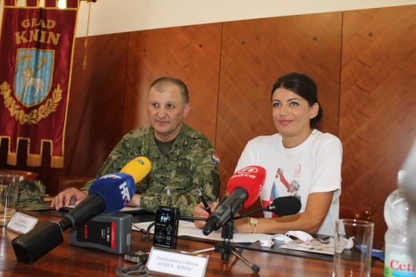 General Mate Ostović i gradonačelnica Josipa Rimac (Foto: Tris/H. Pavić)