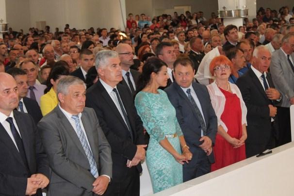 U prvom redu: Milijan Brkić, Tomislav Čuljak, Dragan Čović, Josipa Rimac, Ante Deur, Vesna  i Goran Pauk