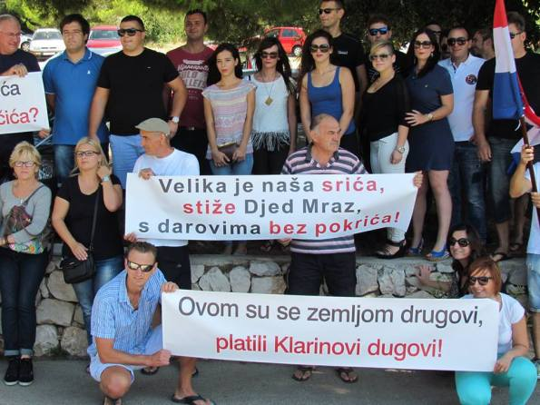 'Prostačka provokacija ministra Ostojića, koji je poput kakvog stadionskog huligana želio podijeliti banane prosvjednicima, flagrantni je primjer govora mržnje' kaže mladost HDZ-a (Foto: MHDZ).
