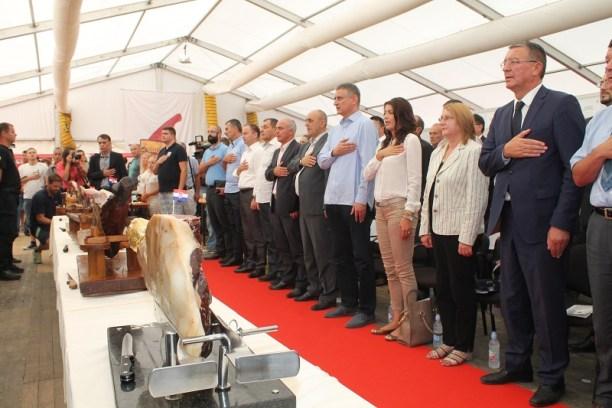 Na ovoj fotografiji se se vidi koliko točno je bilo uzvanika iz drugih stranaka (Foto: Tris/H. Pavić)