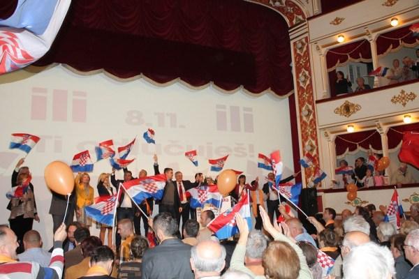 Predstavljanje kandidata koalicije 'Hrvatska raste' u šibenskom kazalištu (Foto: Tris/H. Pavić)