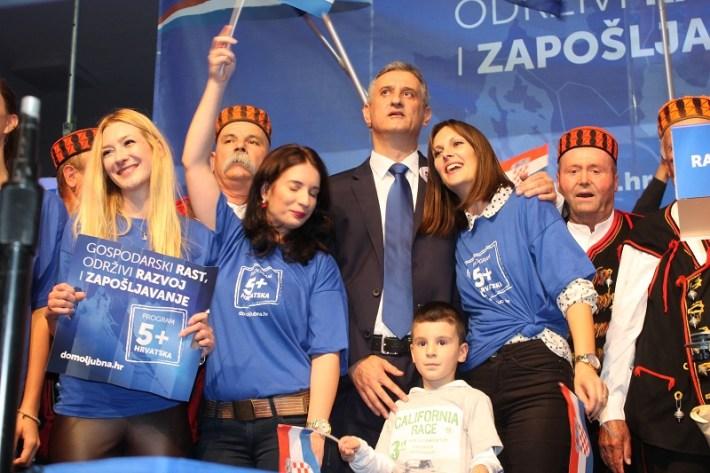Tomislav Karamarko na predizbornom skupu HDZ-a u Šibeniku (Foto H. Pavić) (22)