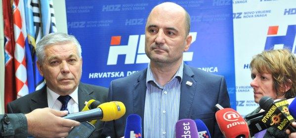 Nakon sjednice Predsjedništva HDZ-a izjave za medije davao je Glavni tajnik Milijan Brkić (Foto: HDZ)