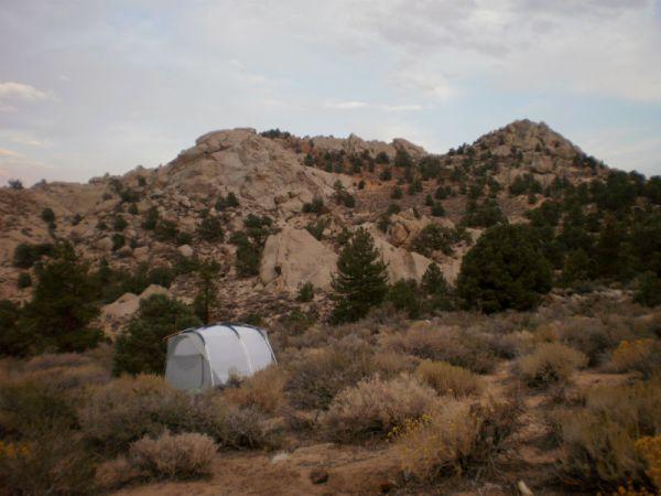 Naš šator u sjeni vrhova ierra Nevade