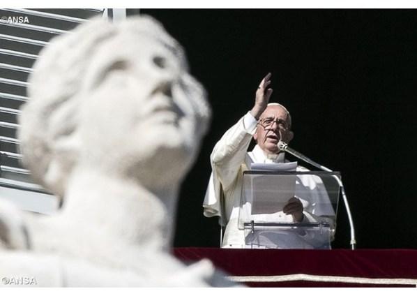 Papa Frane na uoči današnje molitve Angelusa (Foto: Radio Vatikan)