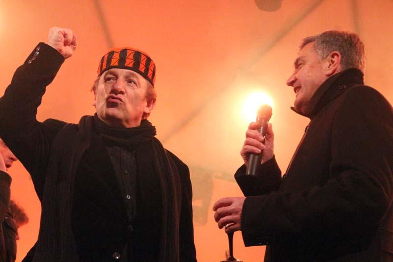 Pjevač Mladen Bodalec i gradonačelnik Željko Burić (Foto: Jozica Krnić)