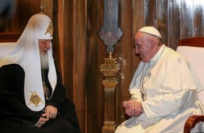 Kiril i Franjo na Kubi (foto: HINA/EPA/ALESSANDRO DI MEO)