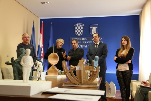 Spomenik betinskom kalafatu (Foto H. Pavić) (9)