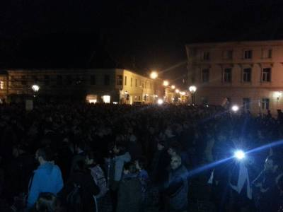 Prosvedu je bilo oko 2000 ljudi, kažu organizatori (foto Facebook)