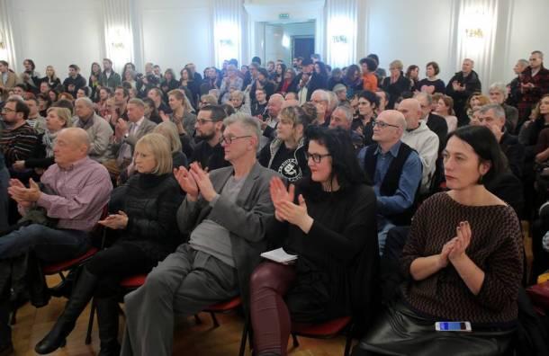 """Kulturnjaci 2016: Mnoštvo na tribini pod nazivom """"Zašto smo potpisali"""". foto HINA/ Tomislav Pavle"""