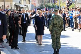 Mate Ostović daje prijavak predsjednici Republike (Foto: Tris/H. Pavić)